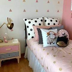 Dormitorio Franko & Co: Recámaras para niñas de estilo  por Franko & Co.