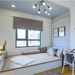 Căn Hộ 65m2 Nhỏ Đẹp Nhờ Thiết Kế Nội Thất Thông Minh:  Phòng ngủ by Công ty TNHH Xây Dựng TM – DV Song Phát,