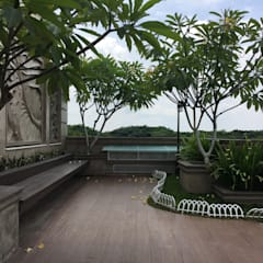 A Classic, Citra Garden. Medan City: Taman oleh Lighthouse Architect Indonesia, Klasik