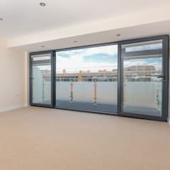 NEW BUILD LONDON PENTHOUSE:  Floors by The Market Design & Build