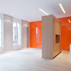 Sèvres: Salle à manger de style  par Lab123