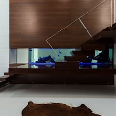 Marta House  - Architecture:  Risco Singular-Arquitectura Lda  Arqº. Paulo Costa e Arqª. Sónia Abreu: Escadas  por Risco Singular - Arquitectura Lda,