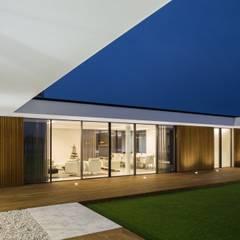 Houses by Risco Singular - Arquitectura Lda, Minimalist