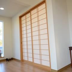 Corridor & hallway by 우드선 목조건축