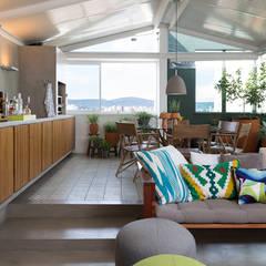 Apartamento Lapa: Corredores e halls de entrada  por Estúdio Paulo Alves