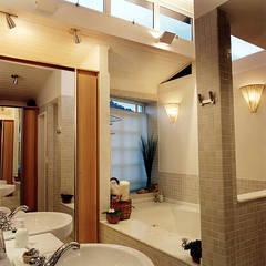 rustic Bathroom by Maria Claudia Faro