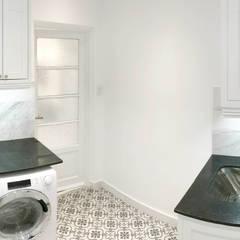 Lavadero: Cocinas a medida  de estilo  por Estudio Nicolas Pierry