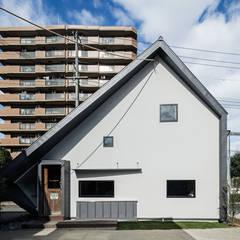 S社 事務所: 神谷徹建築設計事務所が手掛けたオフィスビルです。