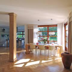 Moderne woning in Blaricum:  Villa door Architectenbureau Atelier3