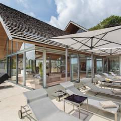 Villa Saengootsa Modern balcony, veranda & terrace by Original Vision Modern