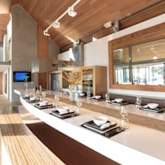 Villa Saengootsa : modern Kitchen by Original Vision