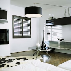 Dinning Room Shutters:  Dining room by S:CRAFT