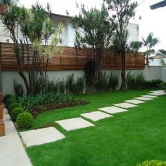 حیاط by Camila Tiveron Arquitetura