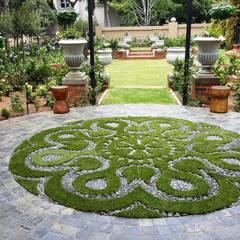 Waterkloof heights:  Garden by Gorgeous Gardens
