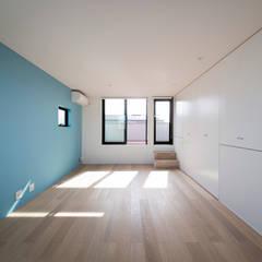 シンプルスタイリッシュハウス: ラブデザインホームズ/LOVE DESIGN HOMESが手掛けた子供部屋です。