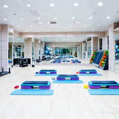 Зеркала для фитнес зала: Тренажерные комнаты в . Автор – Zстекло