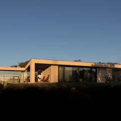 Detached home by António Mota, Susana Machado - Arquitectos, Lda
