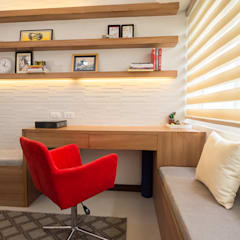 Sonata Private Residences:  Living room by TG Designing Corner