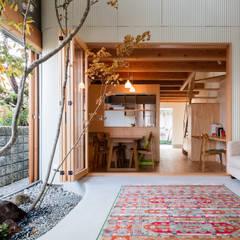 melt: 建築設計事務所SAI工房が手掛けたサンルームです。,モダン 木 木目調