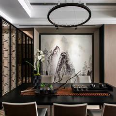 Salas de jantar  por 辰林設計