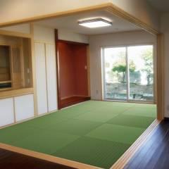和室: 株式会社青空設計が手掛けた和室です。