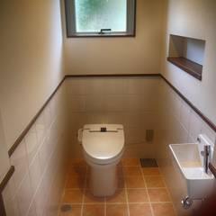 イレ: 株式会社青空設計が手掛けた浴室です。