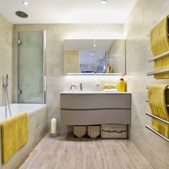 Brentford Showroom, TW8:  Bathroom by BathroomsByDesign Retail Ltd
