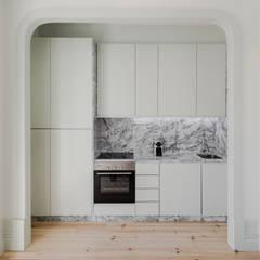 Kitchen units by Pedro Ferreira Architecture Studio Lda, Minimalist