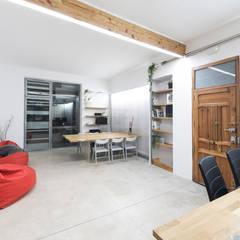 Entrada: Estudios y despachos de estilo  de Eseiesa Arquitectos