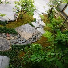 鰻店寿亭: 庭良が手掛けた庭です。