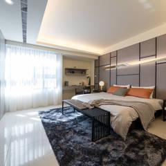 渡假趣:  臥室 by 木皆空間設計,