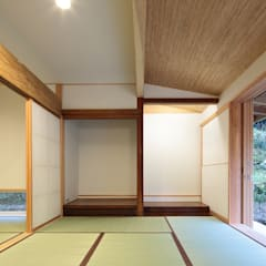 Media room by 山道勉建築, Scandinavian Wood Wood effect