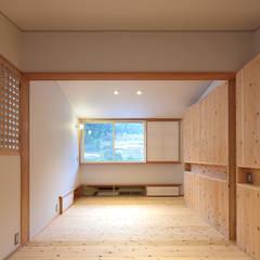 by 山道勉建築 Scandinavian Wood Wood effect