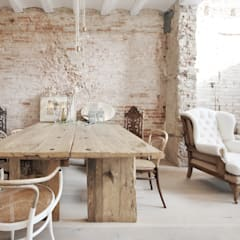 mediterranean Dining room by Abrils Studio