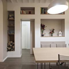 Sala Pranzo Arredamento Country: Sala da pranzo in stile  di JFD - Juri Favilli Design