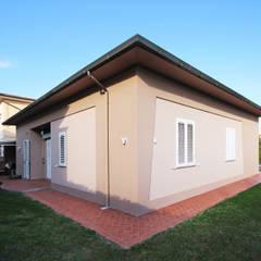 Villa Country: Casa di campagna in stile  di JFD - Juri Favilli Design