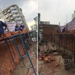 Thiết Kế Nhà Ống 3 Tầng Hướng Nội, Chan Hòa Với Thiên Nhiên:  Nhà có sân thượng by Công ty TNHH Xây Dựng TM – DV Song Phát