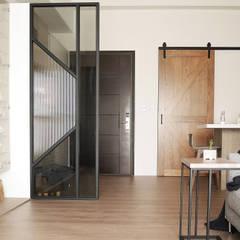 樂宅設計|五股上河園|20坪三房兩廳新成屋:  客廳 by 樂宅設計|系統傢俱