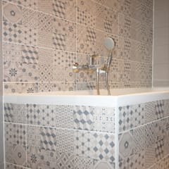 APPARTEMENT  T6 A STRASBOURG: Salle de bains de style  par Agence ADI-HOME