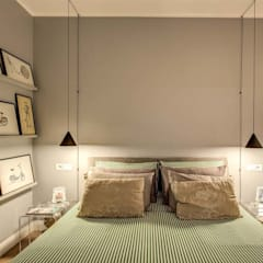 ENGLEN: Camera da letto in stile  di MOB ARCHITECTS