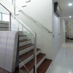 :  Corridor, hallway by Designer House