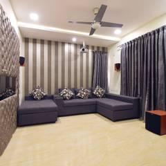 home theater:  Media room by Team Kraft
