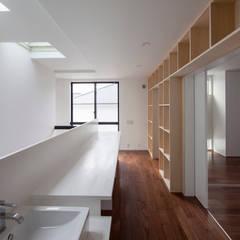 子供勉強コーナー: 石川淳建築設計事務所が手掛けた子供部屋です。