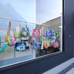 ハコノオウチ04: 石川淳建築設計事務所が手掛けた窓です。,