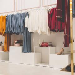 Interiorismo comercial | Tienda de moda en la Calle Velázquez (Madrid) Espacios comerciales de estilo moderno de Interioristas Dimeic, diseñadores y decoradores en Madrid Moderno