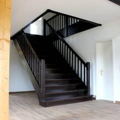 Wohnhaus in 14621 Schönwalde:  Treppe von SCHOß INGENIEUR GmbH