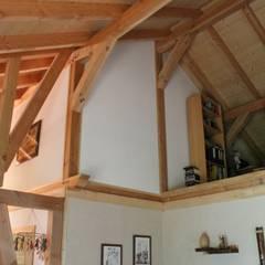 Wohnzimmer:  Wohnzimmer von SCHOß INGENIEUR GmbH