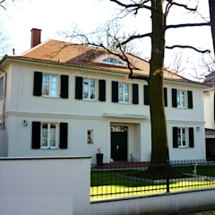 Neubau Villa im Landhausstil der 30er Jahre:  Villa von SCHOß INGENIEUR GmbH