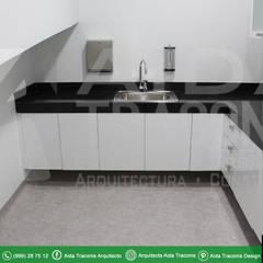 Hôpitaux de style  par AIDA TRACONIS ARQUITECTOS EN MERIDA YUCATAN MEXICO