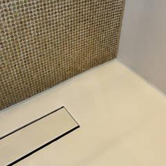Naadloze Vloer Badkamer : minimalistische Badkamer door Motion Gietvloeren